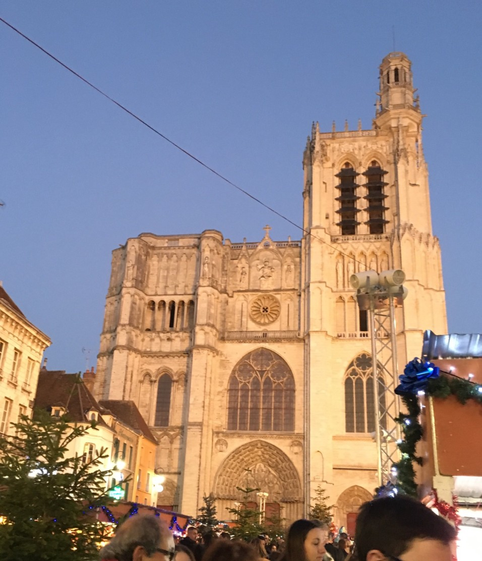 Marche Noel Cathedrale SENS